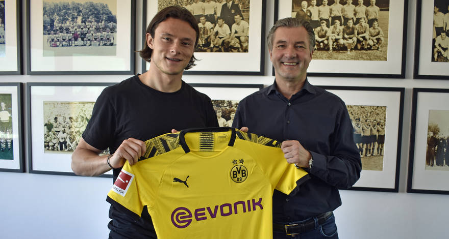 DONE DEAL: @BVB have completed their first signing of the summer - sqwk.at/BVBFirst