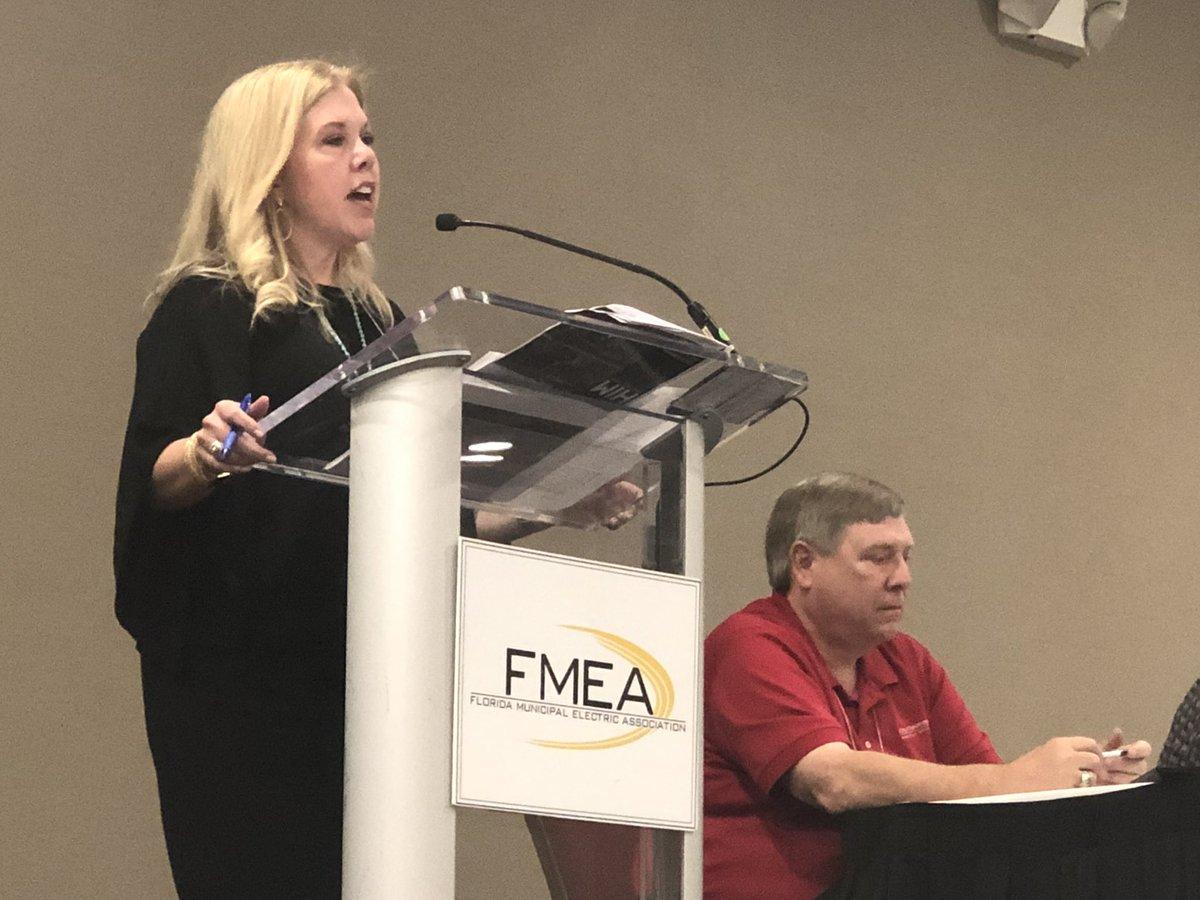 @COTNews director of communications @AlisonFaris opens @flpublicpower's 2019 Hurricane &amp; Emergency Preparedness Forum in #Orlando, sharing the experiences of Hurricane Michael in 2018. #FLPublicPower #preparedness #hurricane<br>http://pic.twitter.com/vyd6QZ2WBq