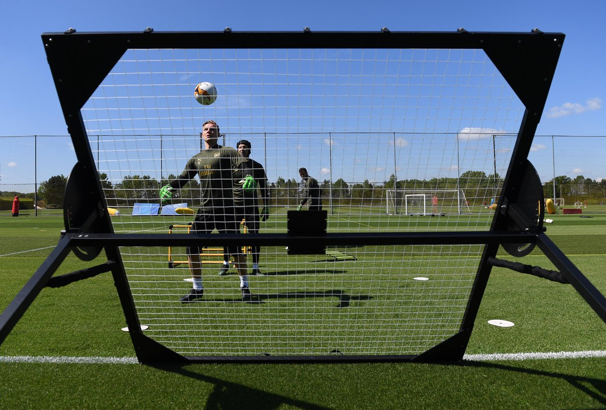 Pictures from today&#39;s Arsenal training session #afc #europaleague #Arsenal<br>http://pic.twitter.com/BwMMWqTfIL