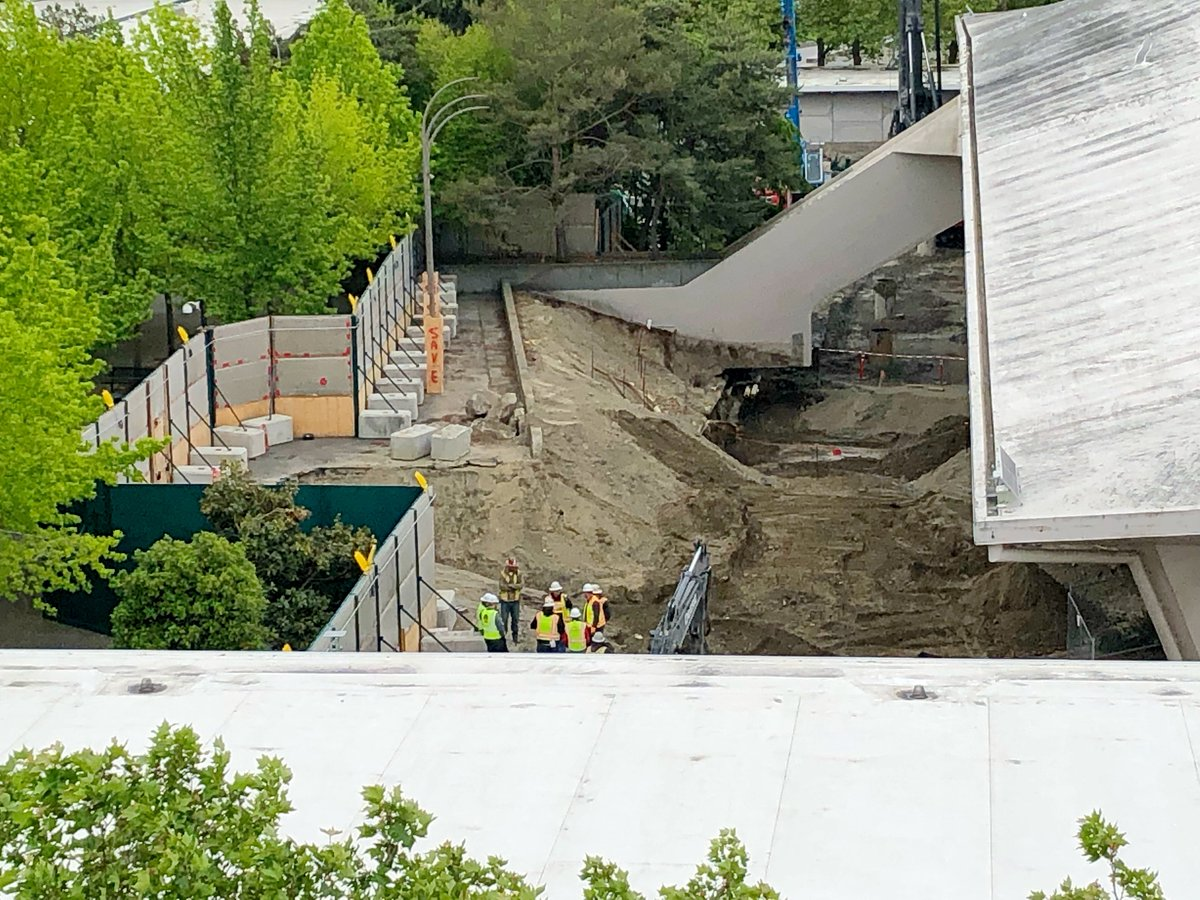 More photos—- —Windows gone from old #KeyArena —Staircases gone  —Walls knocked down  https://www.king5.com/article/sports/nhl/nhl-seattle-targeting-january-groundbreaking-for-hqtraining-facility/281-b865054b-f863-4840-82b8-5e491ee05074…  #NHL #Seattle @KING5Seattle