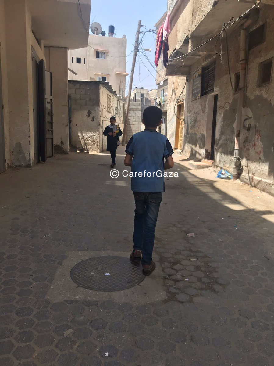 Couple of days ago, I spotted a child in Gaza market who was turning to vendors for seeking financial support. The local vendors are accustomed to him hence I was able to get his home address.  I bumped into the same child today and decided to follow him to get to his house. <br>http://pic.twitter.com/3v6e2UlpXx