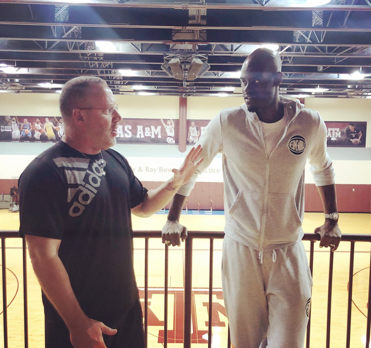 It was great catching up with the catalyst of my career @teamcoachbuzz.  <br>http://pic.twitter.com/zuaiBgX8ne