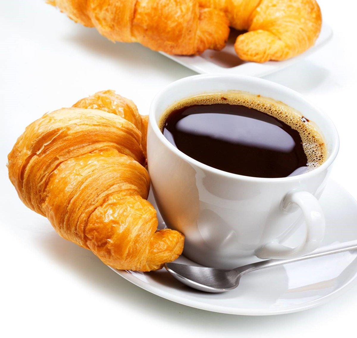 Чашка кофе с выпечкой картинки