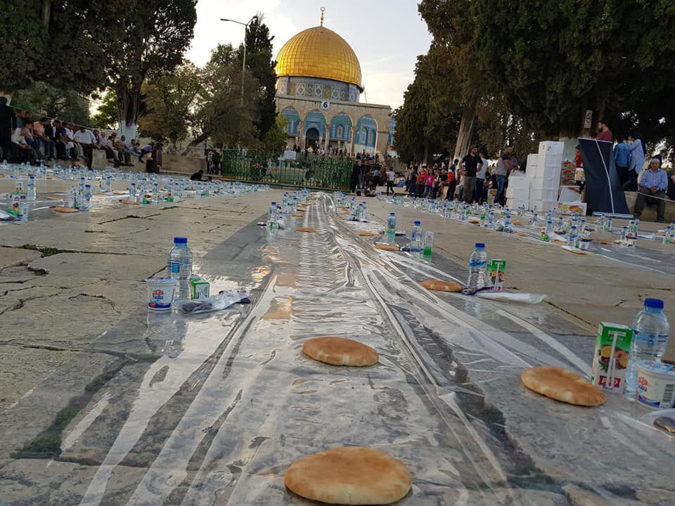 Iftar meals are being prepared at Al-Aqsa.  - Ramadan in Jerusalem <br>http://pic.twitter.com/b88OEsIVlz