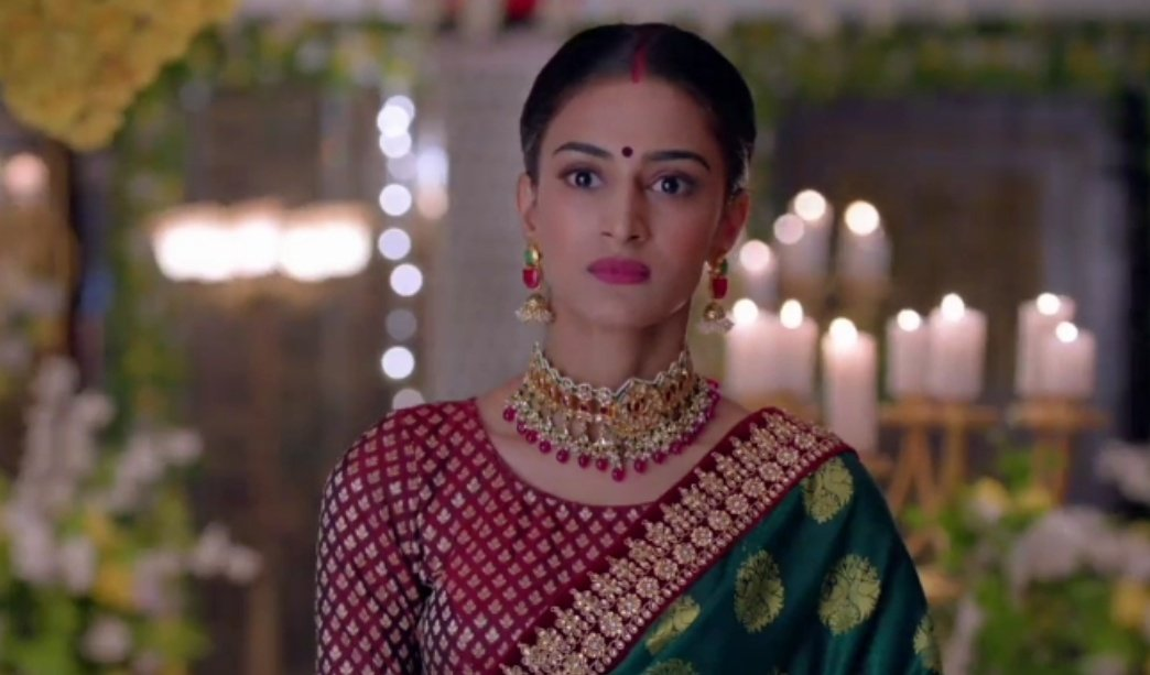 Love the way #PrernaSharmaBasu exposed komo   @IamEJF Your Slaying Hard  Seriously From Your Expressions, Voice tone, dialogues delivery, action to reaction all were just on point     #KasautiiZindagiiKay #PrernaSharma #EricaFernandes #EjF<br>http://pic.twitter.com/TkbE21bIV1
