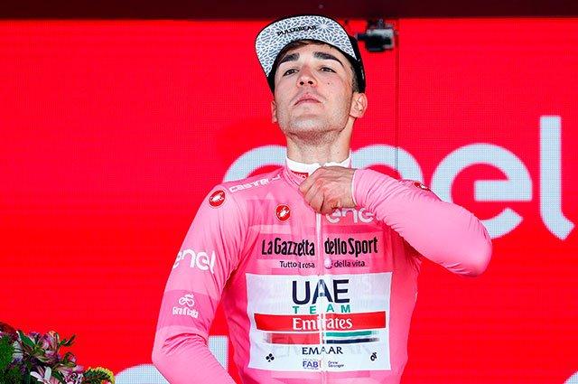 #VamosEscarabajos Así quedaron los colombianos y los favoritos al título del Giro de Italia tras la etapa 10 >>>> https://buff.ly/2LB0JZv