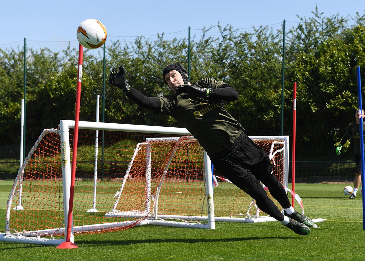 Arsenal goalkeepers hard at work today #afc #arsenal #europaleague <br>http://pic.twitter.com/yaFrczr2ta