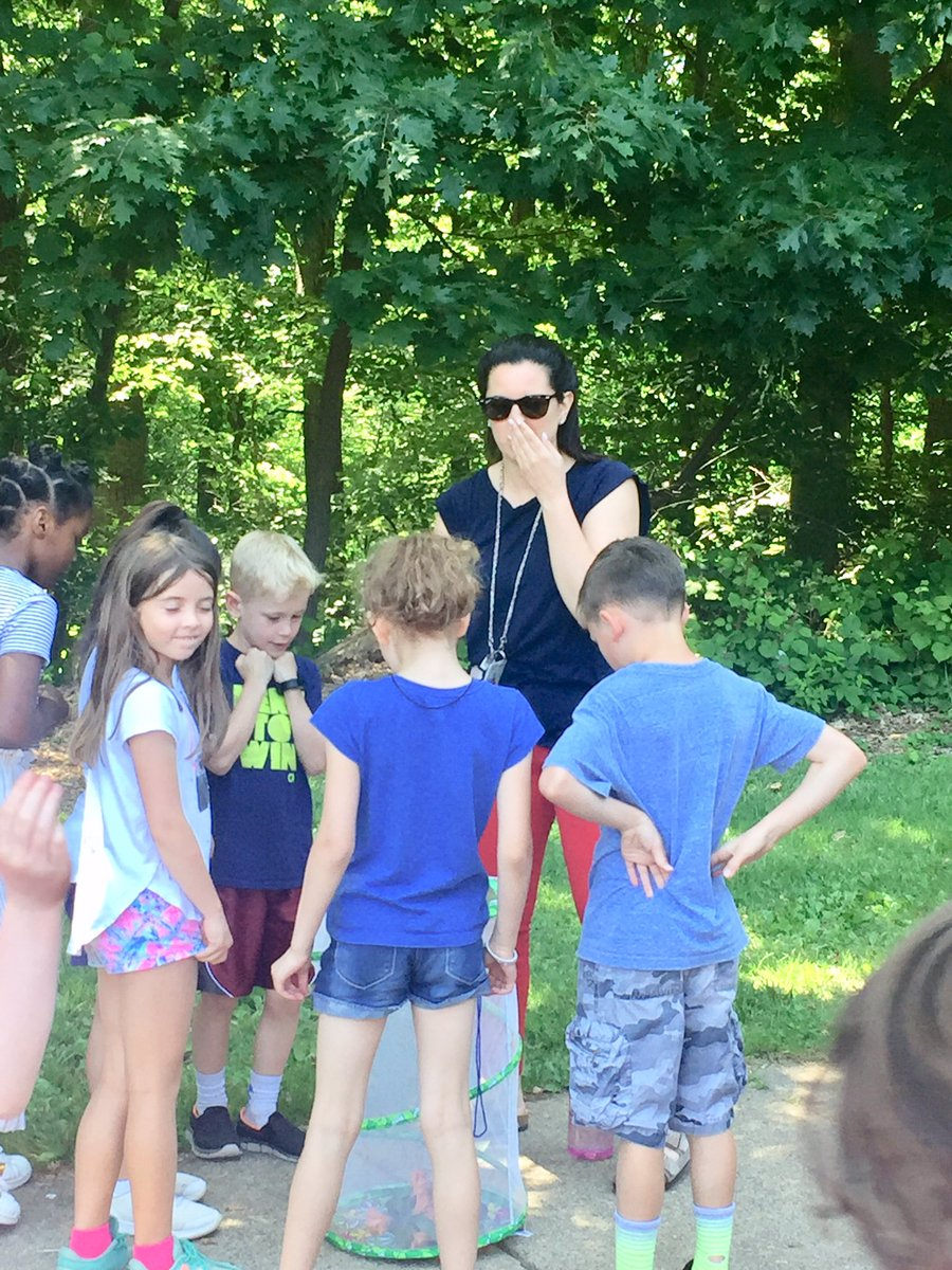 Ms. Harvey's 2nd graders released their butterflies this afternoon. <a target='_blank' href='http://twitter.com/APSVirginia'>@APSVirginia</a>  <a target='_blank' href='http://twitter.com/TaylorPTAtalk'>@TaylorPTAtalk</a> <a target='_blank' href='http://twitter.com/APSscience'>@APSscience</a> <a target='_blank' href='http://twitter.com/APS_STEM'>@APS_STEM</a> <a target='_blank' href='http://twitter.com/savebutterflies'>@savebutterflies</a> <a target='_blank' href='http://twitter.com/ButterflyNetInc'>@ButterflyNetInc</a> <a target='_blank' href='http://twitter.com/kidscientist'>@kidscientist</a> <a target='_blank' href='http://twitter.com/stemkidsrock'>@stemkidsrock</a> <a target='_blank' href='http://twitter.com/split2ndnews'>@split2ndnews</a> <a target='_blank' href='https://t.co/c8p0cRKKTx'>https://t.co/c8p0cRKKTx</a>