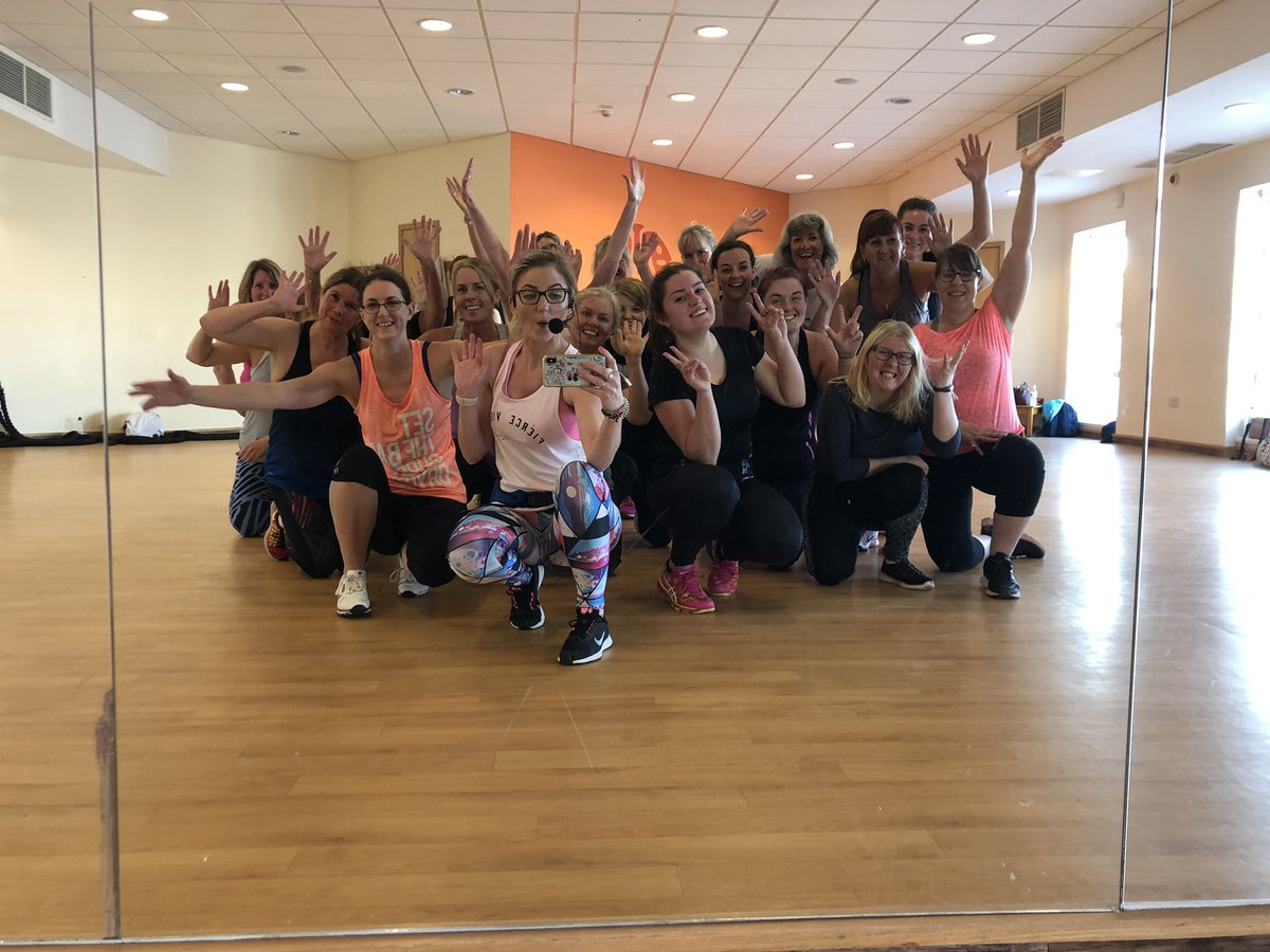 I asked, you requested... Fat Burning! Results = Crushed it!  Well done beauts!   #fatburningworkout #fatburning #fatburningworkouts #fitness #workout #sweaty #offbeatdanceandfitness @AztecGymStudio<br>http://pic.twitter.com/desI2bCiqL