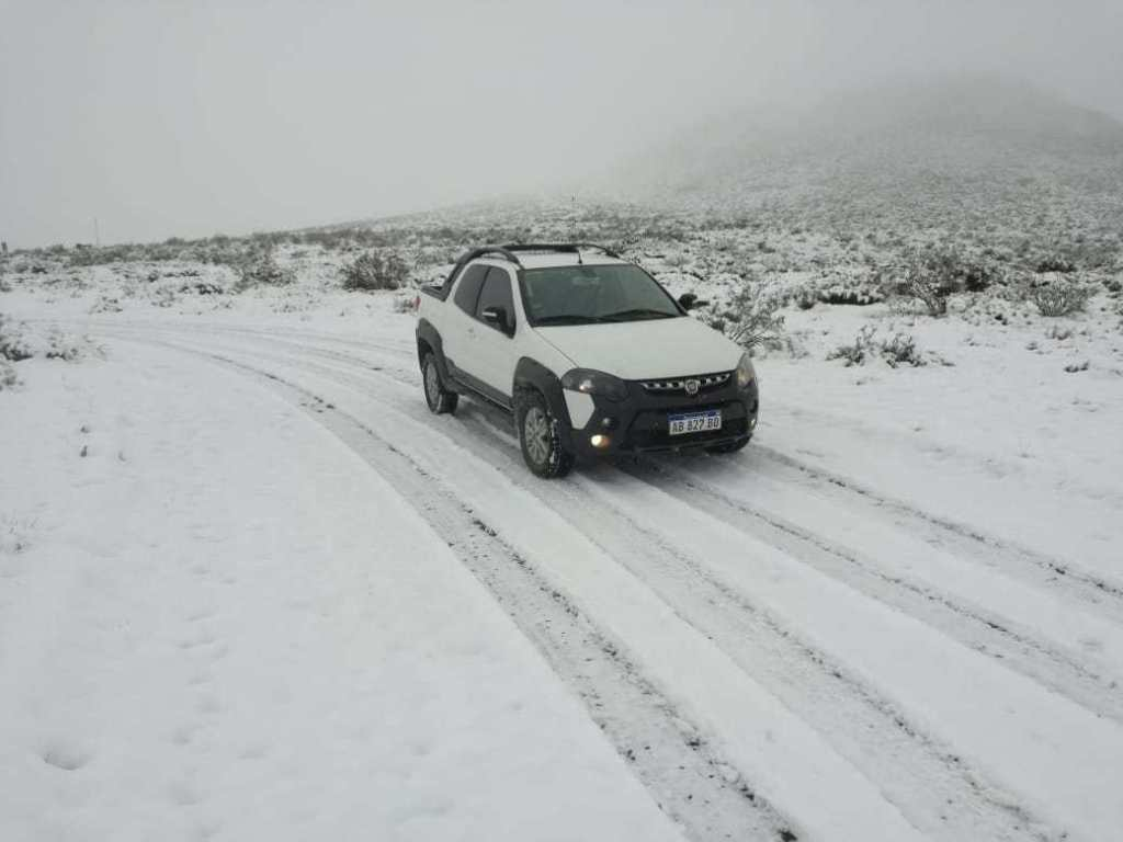 #Clima | La nieve llegó al oeste pampeano