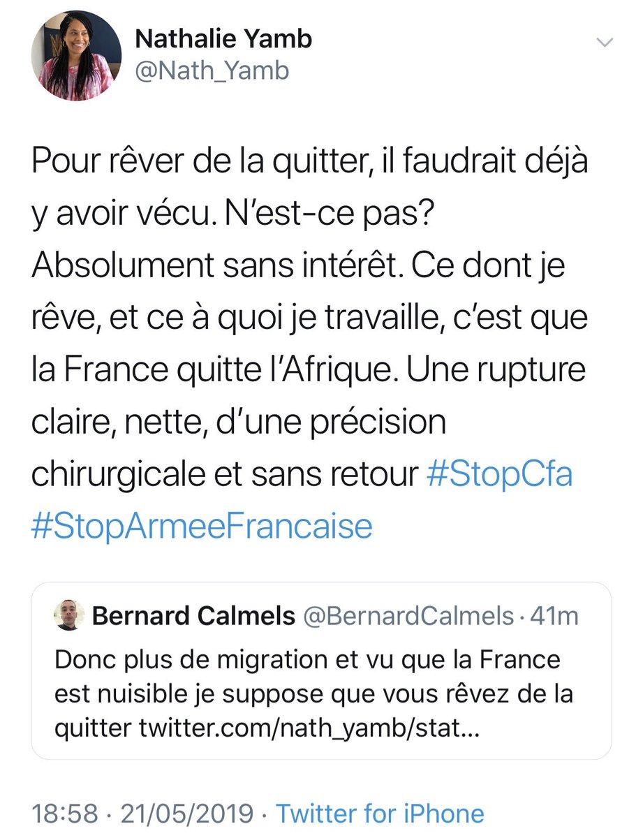 Il commente ma réaction au tweet de Dupont-Aignan. Je lui réponds. Il me qualifie de raciste . Je lui réponds. Il me qualifie de crétine. Je lui réponds que je m'adapte. Il me bloque. Ça a été géré bouclé en 11 minutes. Aussi rapide qu'Arya avec le Night King  #StopCfa<br>http://pic.twitter.com/r5BLcfK2DS