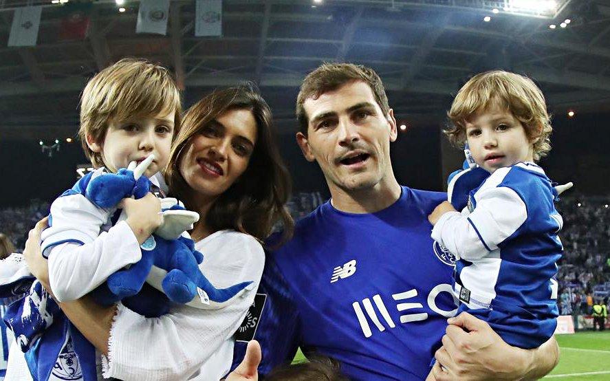 Depois do susto de Casillas, agora é a sua mulher Sara Carbonero que foi diagnosticada com cancro no ovário. Muita força para a família 🙏