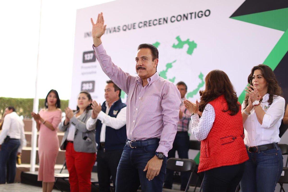 El Gobernador @omarfayad en su visita al municipio de Santiago Tulantepec, encabeza la entrega de Actas de Transferencia de Bienes. #HidalgoMásEmpleos