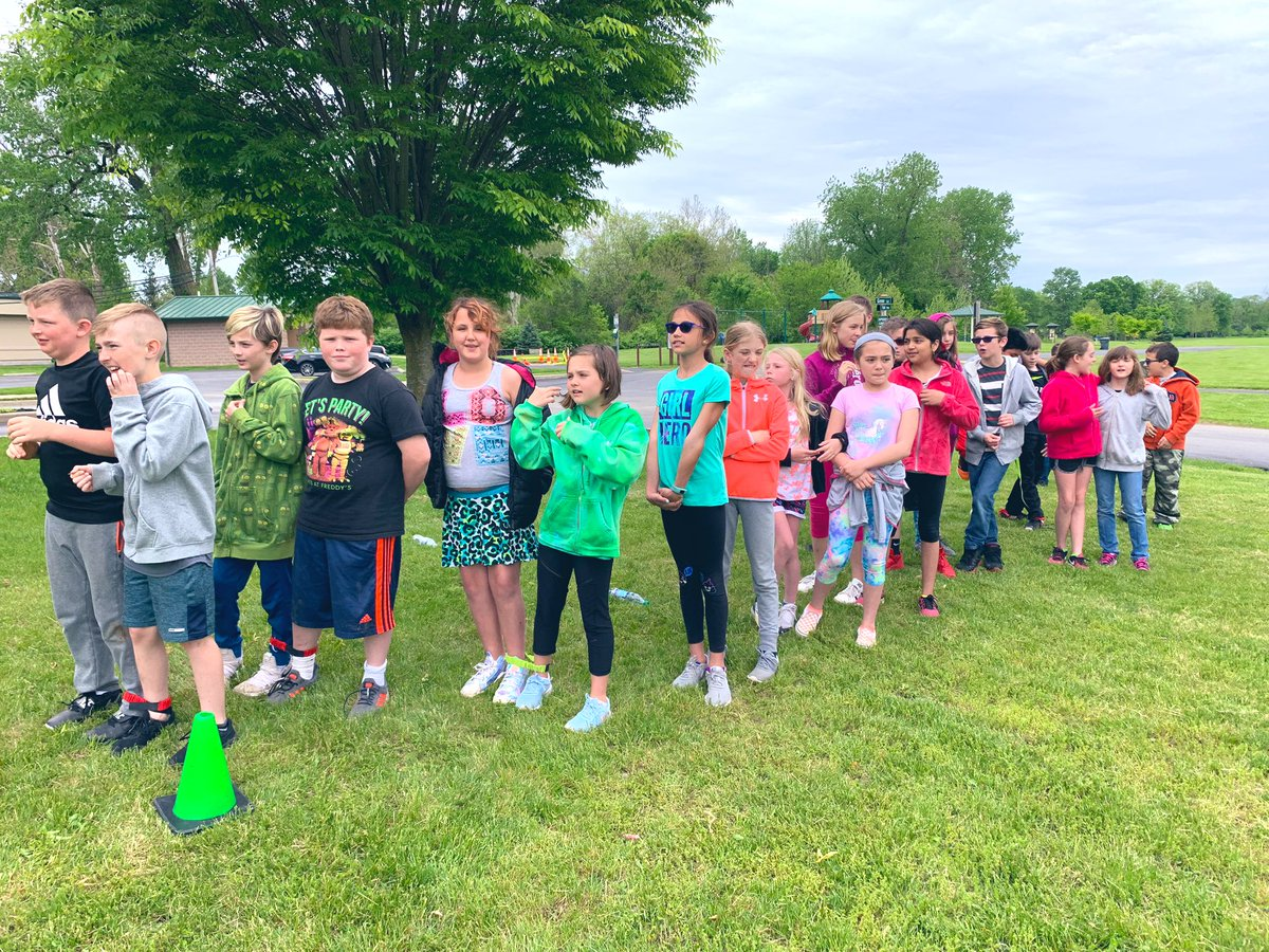 ⚾️🏃🏼♀️🏃The we had field day!!! Students had fun with the 3 legged race, kickball, baseball spin, and a walk. #YESTigers180 #LogansLearners ⚾️🏃🏃🏼♀️