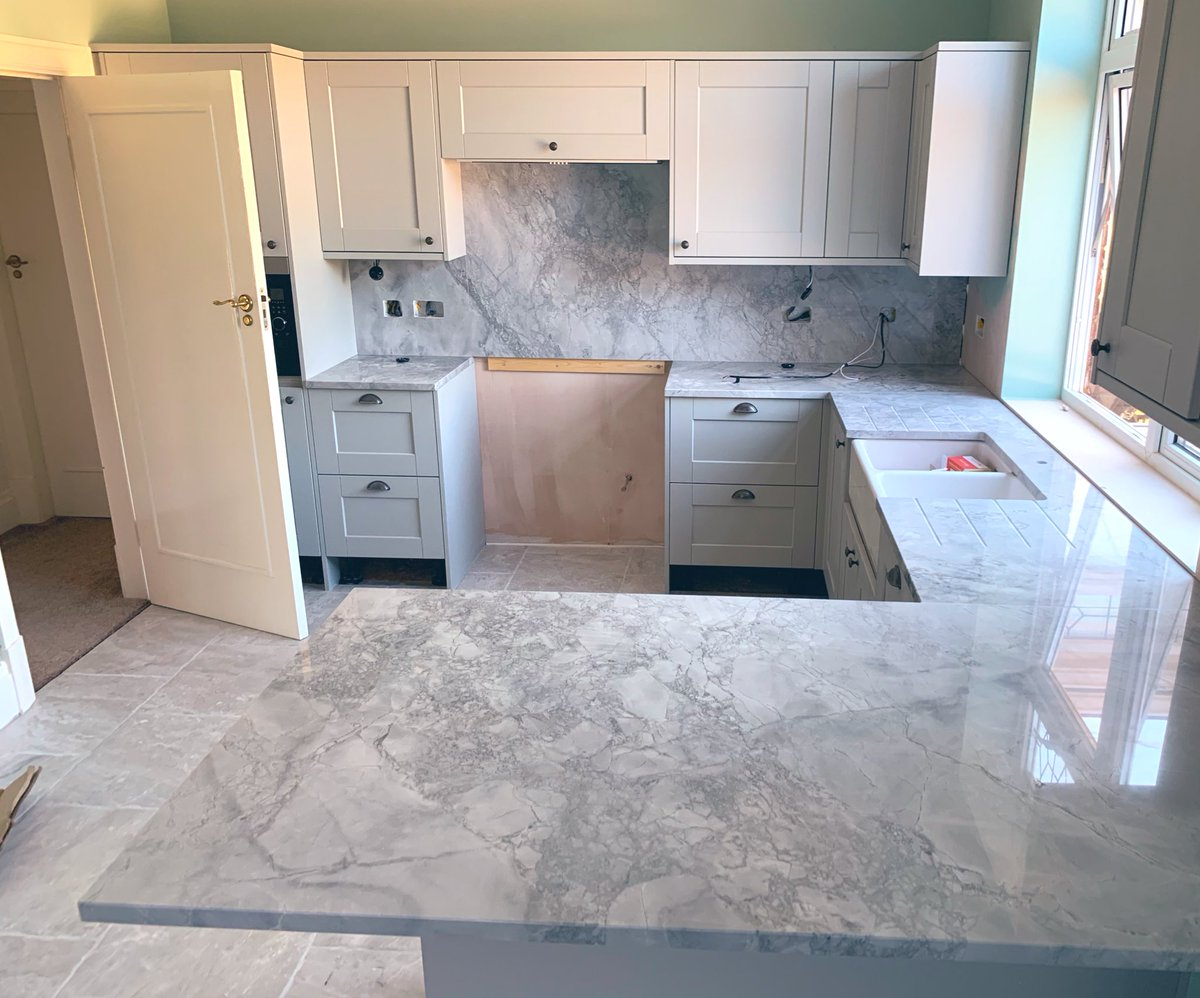 One of the best looking stones we've worked with to date the amazing Portobello or super white, with stunning bookmarked wall panels this stone has been a pleasure to work  #granite #quartz #quartzworktops #graniteworktops #bridlington #filey #scarborough #beverley