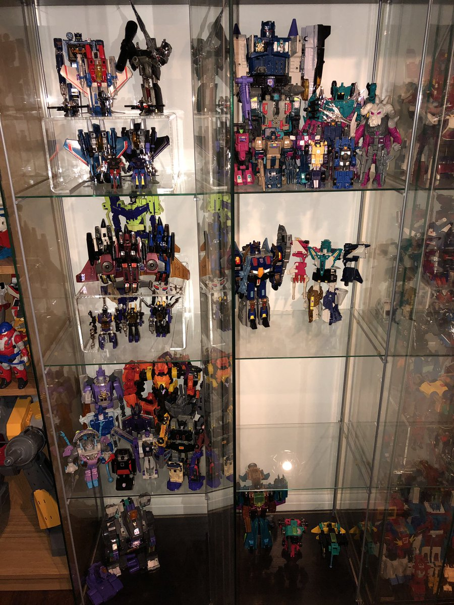 Reworking the Decepticon display tonight, going by year.  1987 is off on its own and I need another riser for my Micromasters before they will fit, effort. #Transformers #G1 #actionfigures #toys #80s