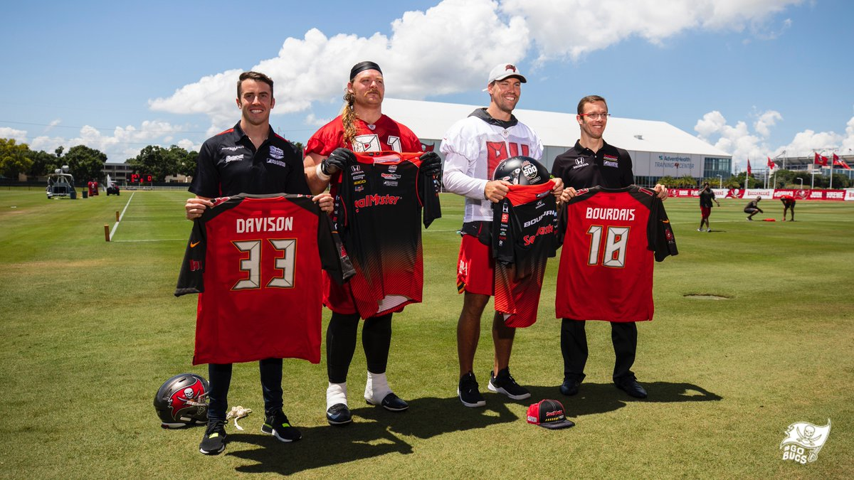 Nice jerseys, @BourdaisOnTrack & @JD33Davison! Thanks for visiting us, and best of luck racing in the #Indy500!