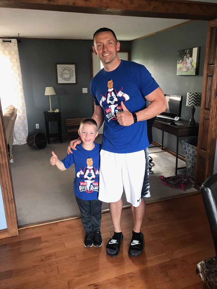 @J_poyer21 @26shirts @DelReid Poyer Ranger shirts came in today. Right here you see two happy campers! Thanks guys, we love em!!