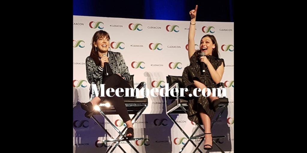 Want to go back to #ClexaCon 2019 and the #ODAAT panel? You might like my video: #ClexaCon2019 Friday Part 1 (ODAAT &amp; Avalance)    https:// youtu.be/XmuAf_tnptY  &nbsp;   Would you mind giving me a RT? Thank you! #OneDayAtATime #SaveODAAT<br>http://pic.twitter.com/NC76thsOZb