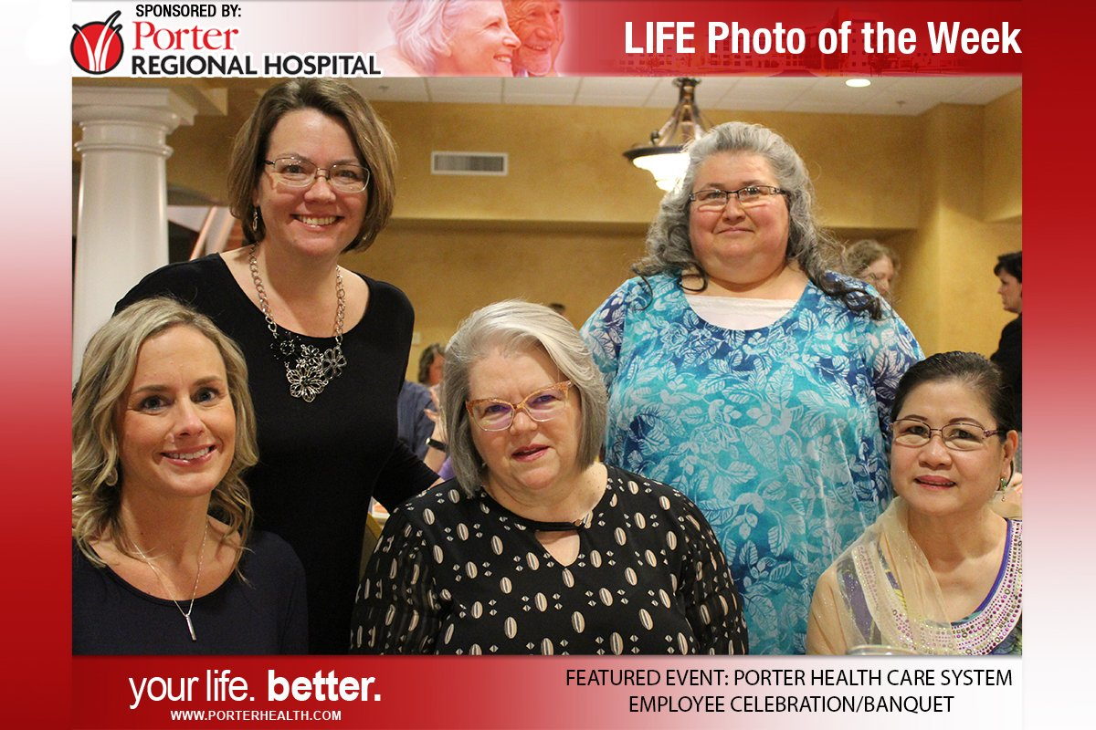 Our Porter Regional Hospital Photo of the Week fittingly celebrates employees in the Porter Health Care System! <a href='https://t.co/a0d6tzfCLL' class='extra' target='blank'><i class='material-icons mdl-color-text--grey-400'>image</i></a>