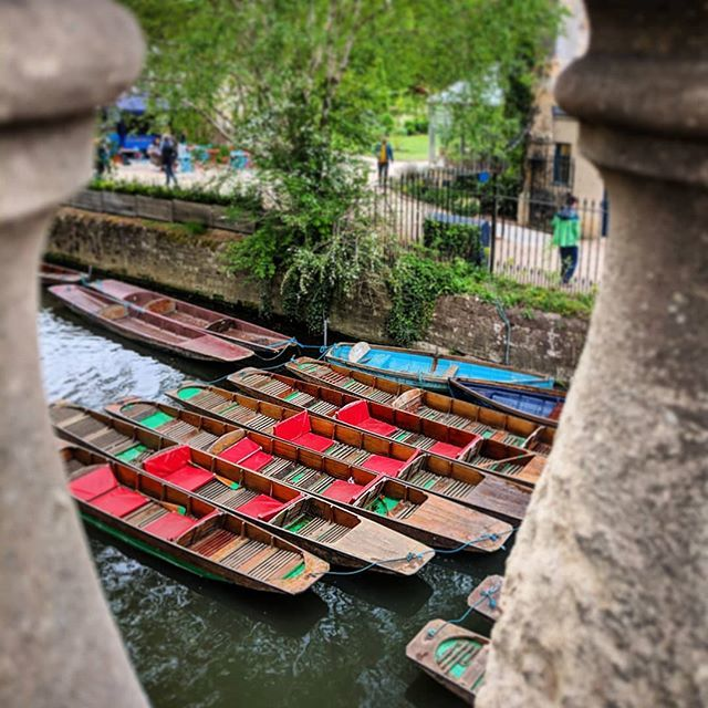 """""""@JodieShanks"""" Oxford Canal boats  #photographs #canalboat #punting #oxford #citylife  https://t.co/JiKodt1WBx https://t.co/6p4DrgHmZA"""