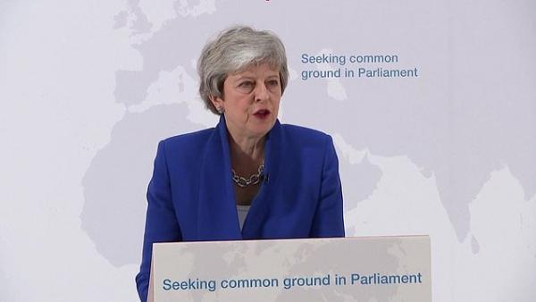 Тереза Мэй представила парламентариям новый компромиссный вариант договора о Брекзите    https://t.co/CsqwovlviW https://t.co/PP8S4Je2qb