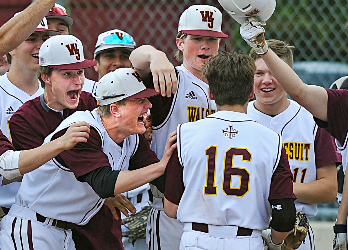 Varsity Final/8 (24-3) D1 - Hudson District OHSAA District Semifinal #samedirt   Walsh Jesuit - 2 Solon - 1  Warriors win it on a walk off! 2019 RHP Nate Stahl (@IndianaBase signee) throws a CG &amp; 2022 MIF Henry Kaczmar (@umichbaseball commit) comes up with the big hit to win it!<br>http://pic.twitter.com/uSui7QHpv6