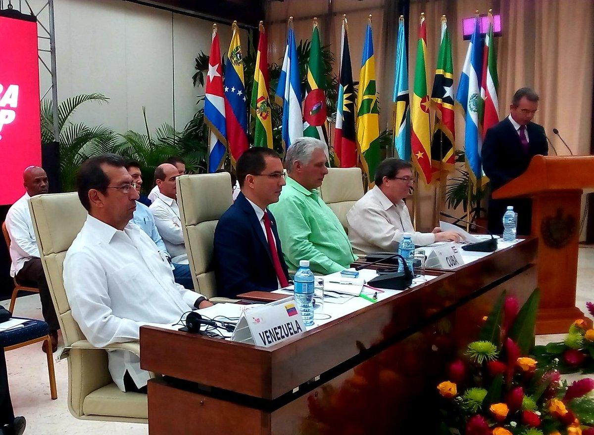 Declaración del XVIII Consejo Político del #ALBATCP, adoptada con la presencia del Presidente @DiazCanelB | vía @CubaMINREX 👇http://www.minrex.gob.cu/es/declaracion-xviii-consejo-politico-del-alba-tcp… |#ALCUnida #ALCZonadePaz