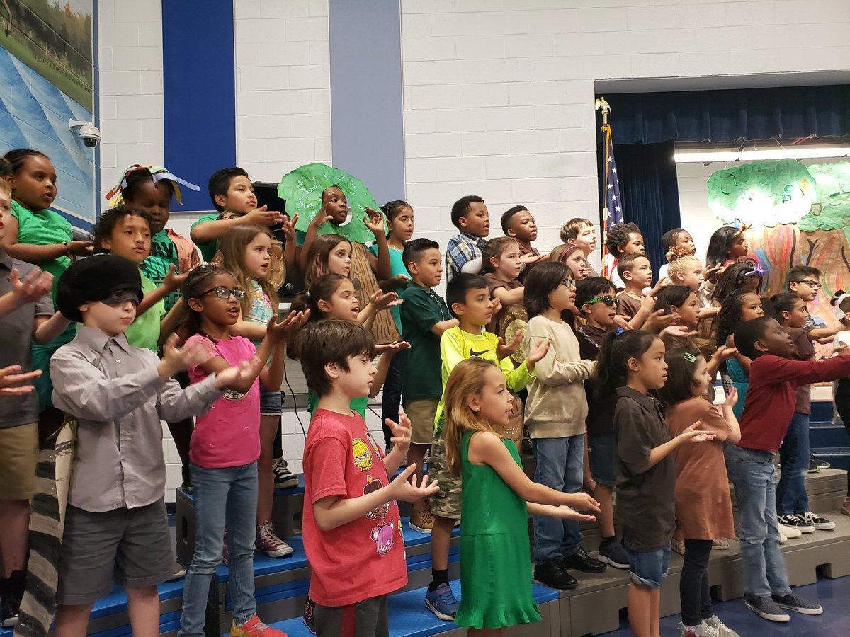 The stars of our 2nd grade performance of &quot;Nuts&quot; #anesmustangs  #MusicEducation #PositivelyPWCS #proudprincipal<br>http://pic.twitter.com/rHaVGTm7uQ