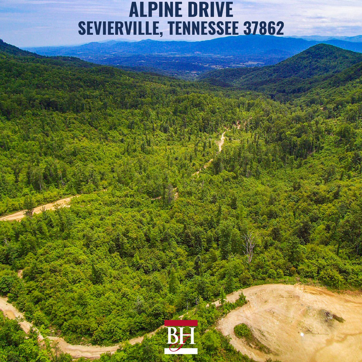 NEW Listing! Majestic acreage property perfect for a quiet mountain retreat. This property also has development potential as well.  For more details, click https://buff.ly/2wb4ASv  Billy Houston Group | 865.315.8244 #sevierville #seviervillerealestate  #easttnpic.twitter.com/vow7N5Yo1c