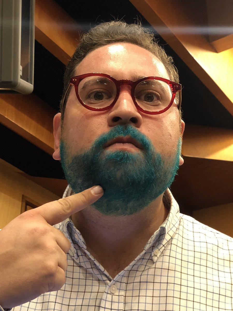 Ya llegó el señor de la barba verde @JC_Zuniga en #AsíElWeso a la cabina de #AsíElWeso con @EnriqueEnVivo
