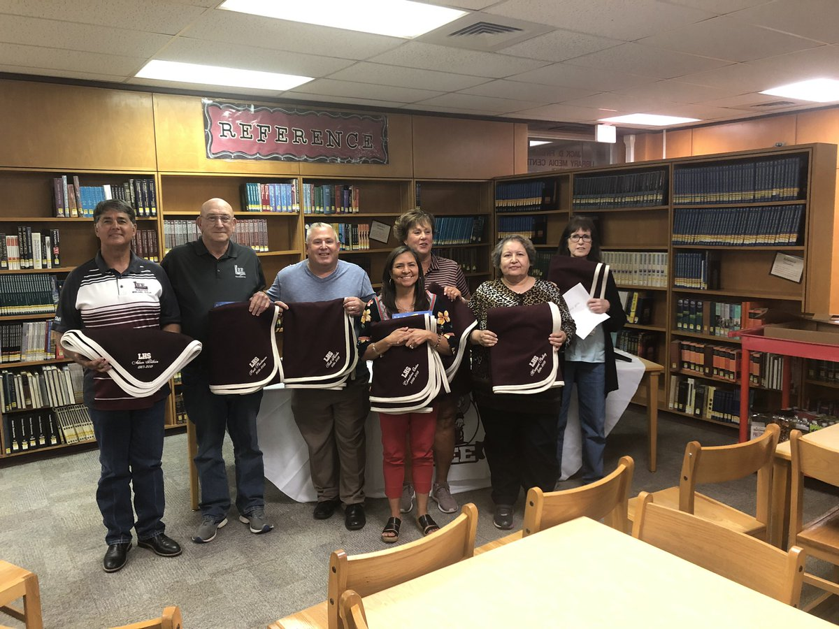176 years of service to our students at Lee High School was honored today in our retirement ceremony. Thank you Mr's Easter, Hicks, Pitkin and Skidmore and Ms. Kauffman, Ortez, Shelkey and Yost. You will be missed. Go Rebels. <br>http://pic.twitter.com/eFwTKotOF7