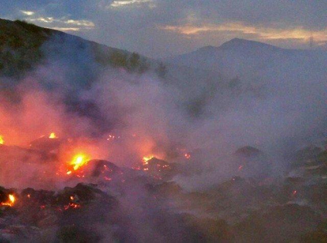 В Коктебеле накануне вечером тушили крупныйпожар https://t.co/uzJmxgIU91 https://t.co/9ovLaWrxHE