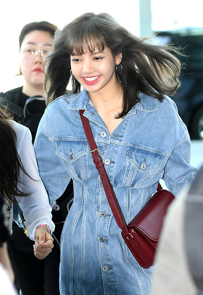 BLACKPINK&#39;s Lisa says &quot;You&#39;re gonna love me more,&quot; in a teaser for &quot;The Beginning of All Generations,&quot; a commercial for AIS, Thailand&#39;s largest mobile phone operator. The ad is to debut on Thursday.  #BLACKPINK  #LISA #LALISA (Photo:VCG) <br>http://pic.twitter.com/MwWp4PSwUs