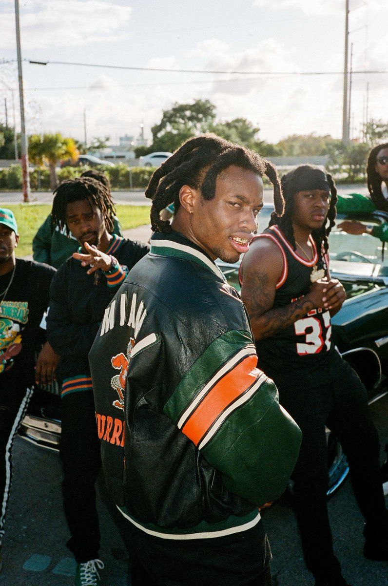 🚨 NEW @DENZELCURRY 🚨 #SPEEDBOAT is here 🚤 spoti.fi/speedboat Oh... and his album ZUU drops next Friday.