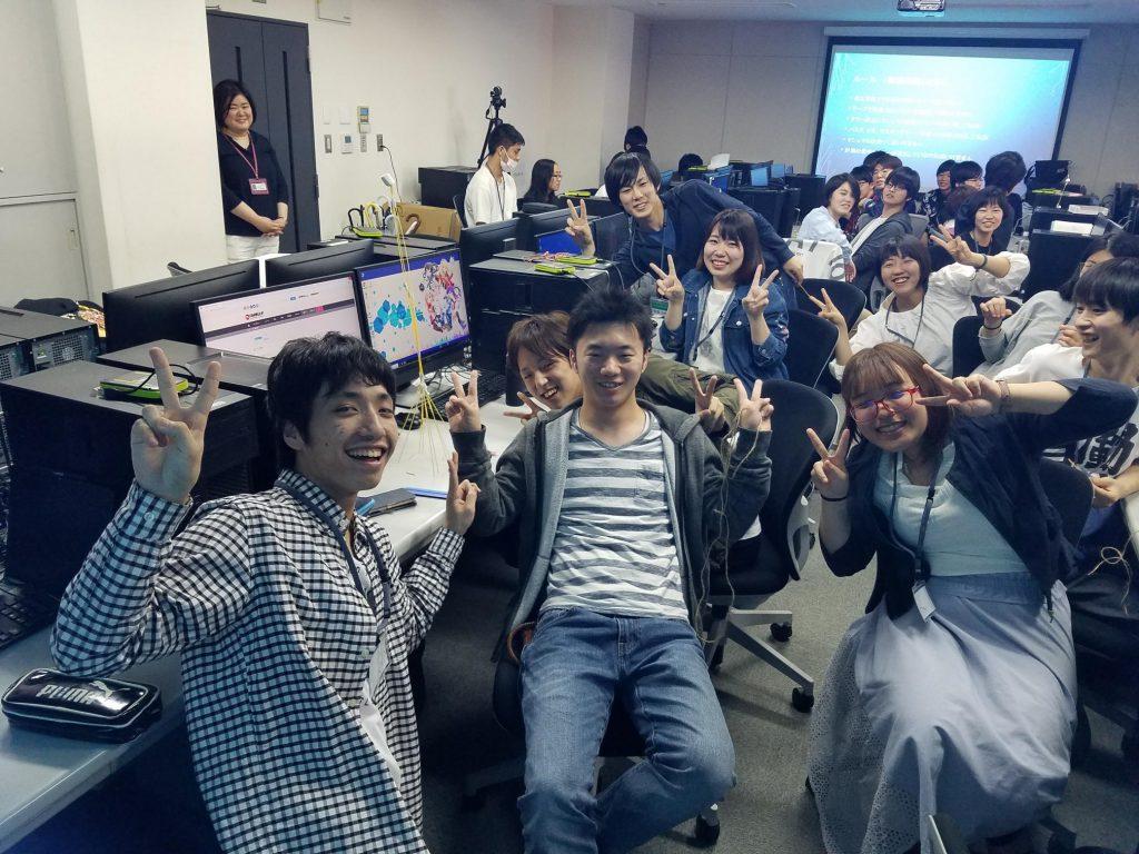 【キャリアセンターBLOG】先日、ゲーム・アニメ3DCG学科 1年生の『就業力育成講座』が行われました!社会人になるために必要な立ち振る舞いや一般常識などをレクチャーしていく授業です。少しだけご紹介します!⇒ #ブログ更新 #大阪AMG #就職