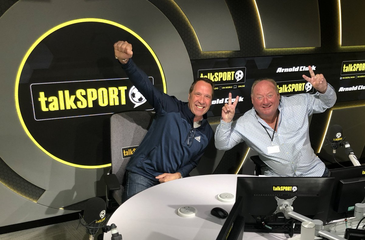 Marnin! Join Al & @TheDavidSeaman as they discuss the big stories: 🔘 De Gea snubs #MUFC contract 🔘 Calls for Europa League boycott 🔘 Cech denies Chelsea director role Plus @MidoAHM joins us in the studio from 8am! 🇪🇬 📻 Listen - tlks.pt/ListenLive