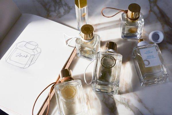 Inès de la Fressange lance sa collection de parfums https://www.fashions-addict.com/Ines-de-la-Fressange-lance-sa-collection-de-parfums_461___1481.html… #parfum #mode #fashuion #luxe #new #fragrance #signature #blancchic #orchoc @fressangeparis @Marionnaud_Fr @CRCComm
