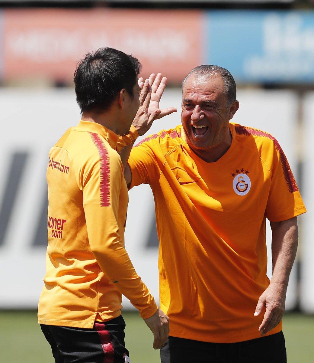 Şampiyon Galatasaray'ımızın bugünkü idmanından kareler...