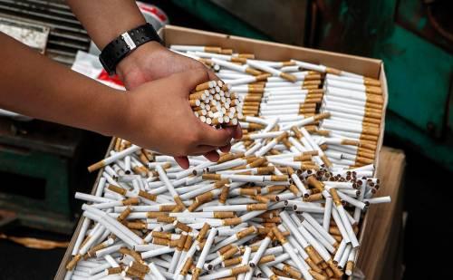Страны ЕАЭС недополучили $1 млрд налогов от нелегальных сигарет Подробности здесь - https://t.co/ht9C9m7a3h https://t.co/OeY1PcSKvK