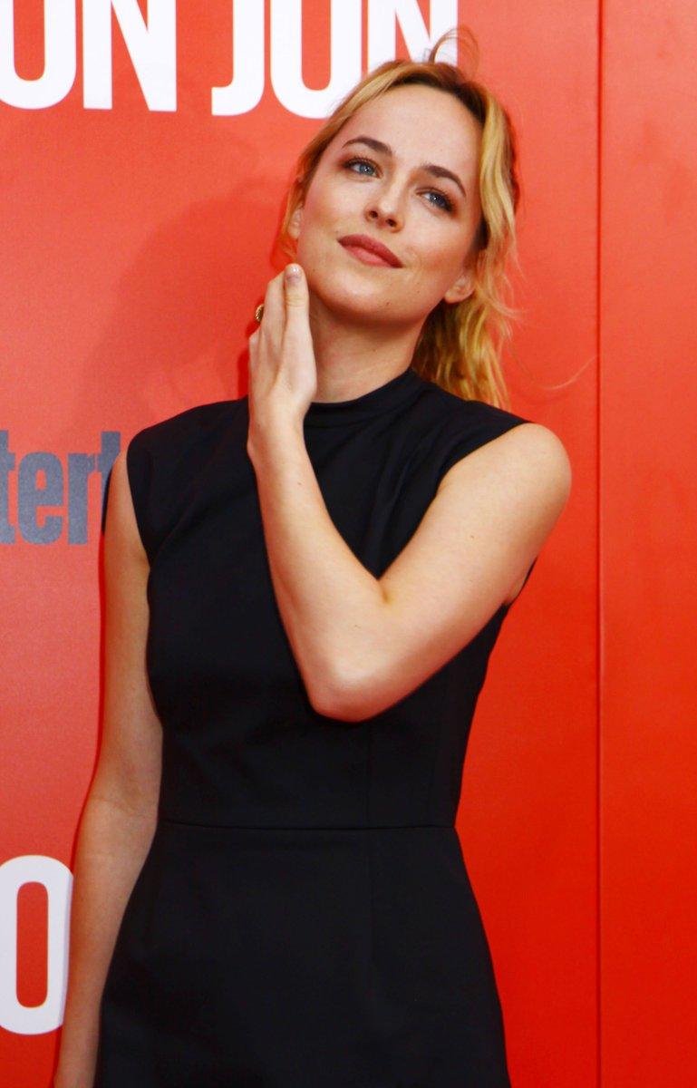 &quot;Don Jon&quot; NYC Premiere [September 12, 2013]   #DakotaJohnson #WomanCrushWednesday<br>http://pic.twitter.com/nXDzNg5xtu