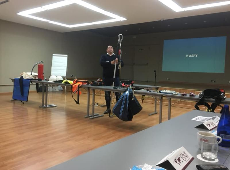 test Twitter Media - Día de reunión en #Valladolid con #bnicompromisovalladolid. @ASPYPrevencion presenta los diferentes #EPIS imprescindibles para una correcta #seguridadlaboral. #prevención #PRL #bnicentronorte #saludlaboral https://t.co/iVSqUywnCq