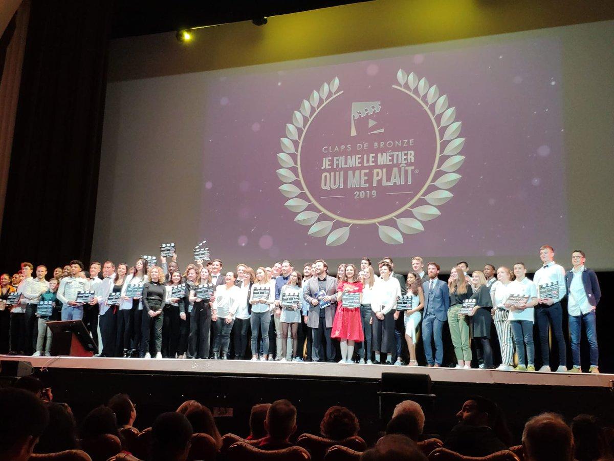 #AirFrance et #AirFranceStudio ravis de soutenir l'aventure #JeFilme2019 ! Félicitations aux élèves du lycée Darchicourt d'Hénin-Beaumont pour le CLAP de Bronze 👏 Une occasion unique pour eux,  de découvrir et filmer le métier de #PNC.  Plus d'infos 👉http://bit.ly/2YEgGQr
