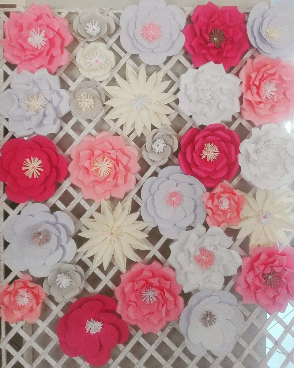 Paper Flowers For a Baby Shower Backdrop #paperflowers #papercraaft<br>http://pic.twitter.com/zwMyWMPFC0
