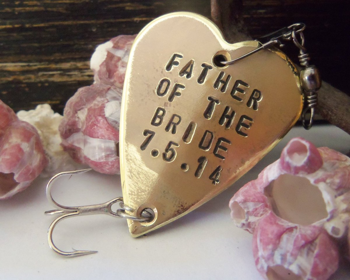 Father of the Bride and Wedding Date - Personalized Heart Lure http://tuppu.net/43901b6b #Shopify #CandTCustomLures #Beach_wedding_decor
