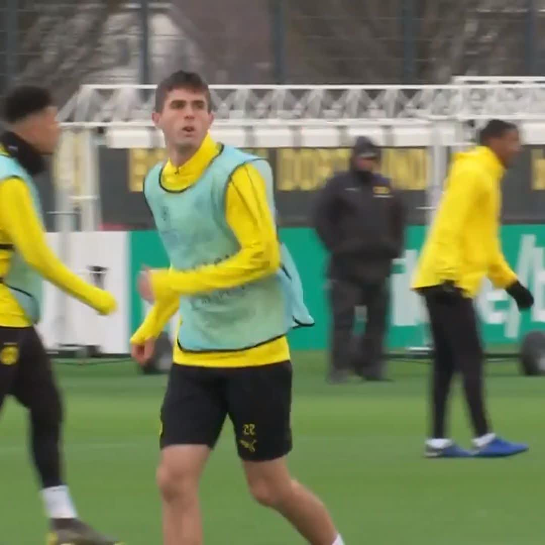 I have a similar style with an attacking and creative mindset, hes very quick and shifty. Theres a lot to learn from him. Incoming Chelsea playmaker @cpulisic_10 is looking forward to possibly playing alongside Eden Hazard Full interview: skysports.tv/exCyXm