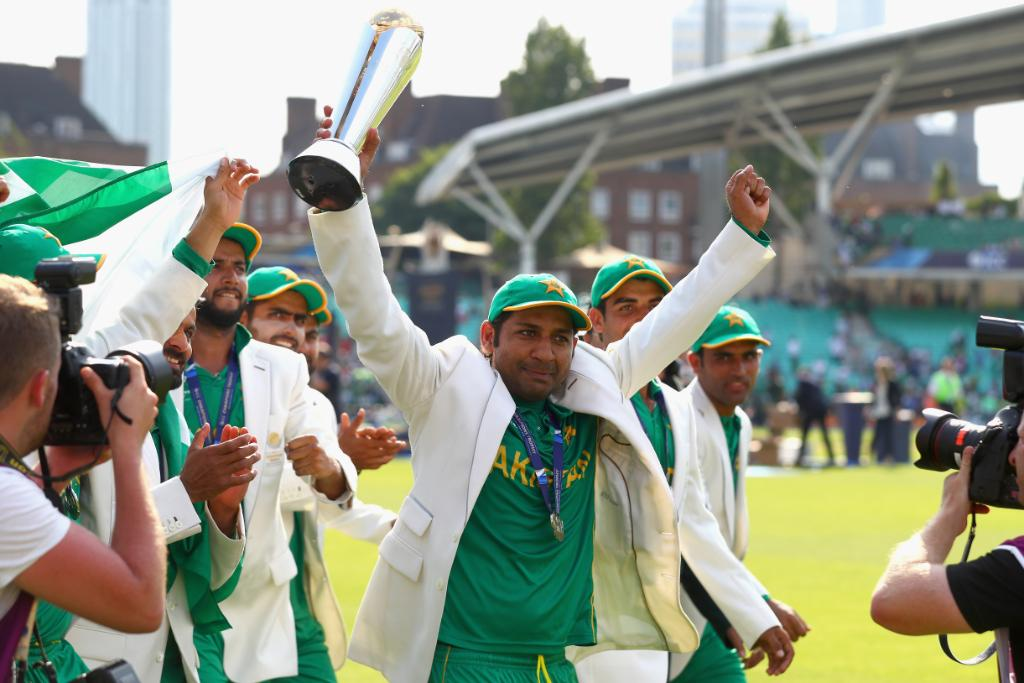 Happy birthday to Pakistan captain, @SarfarazA_54!Will he be lifting another 🏆 at the end of #CWC19?