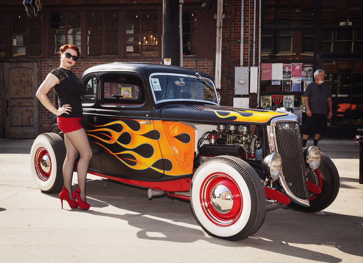 #Car Awesome of the Day: #Rockabilly Black & Flames 🔥 #HotRod 🔧 at #DallasCarShow via @the_red_velvett #SamaCars 🚗