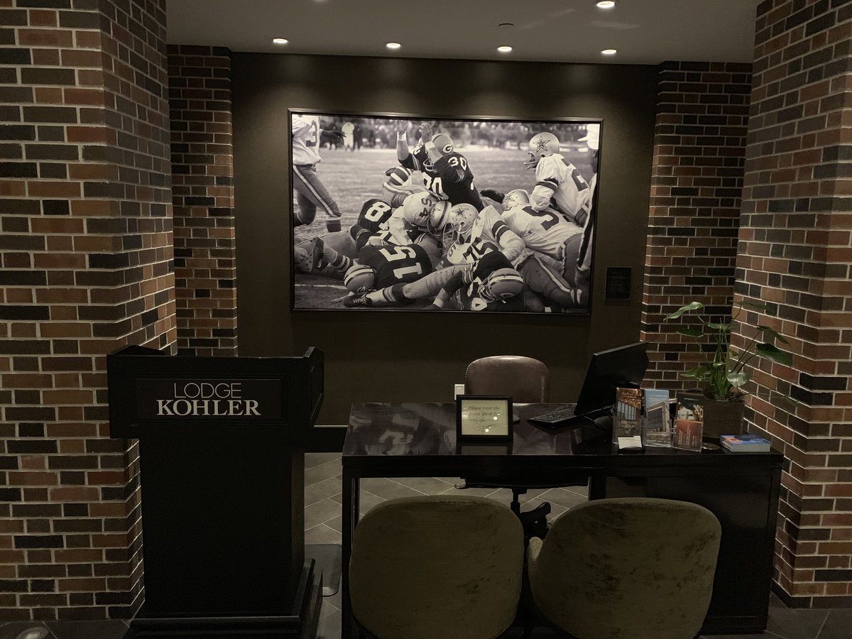 Staying at @LodgeKohler when back in Green Bay to see a bunch of friends and former teammates only makes the week that much better. Looking forward to being back in August. #sponsored https://t.co/CR8eFGxoiR