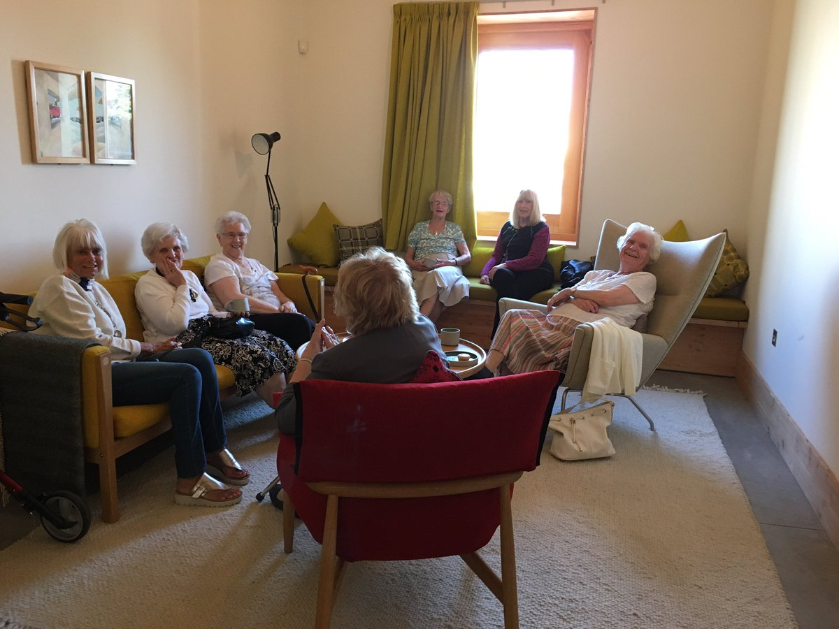 Our community open afternoon in full swing. #cancercare #cancersupport #maggiescardiff @dow_jones_archs @VelindreCC https://t.co/BzefIDSSq5